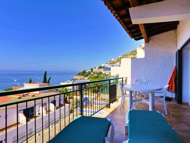 Two-Bedroom Apartment Sea View located 50m from the beach.