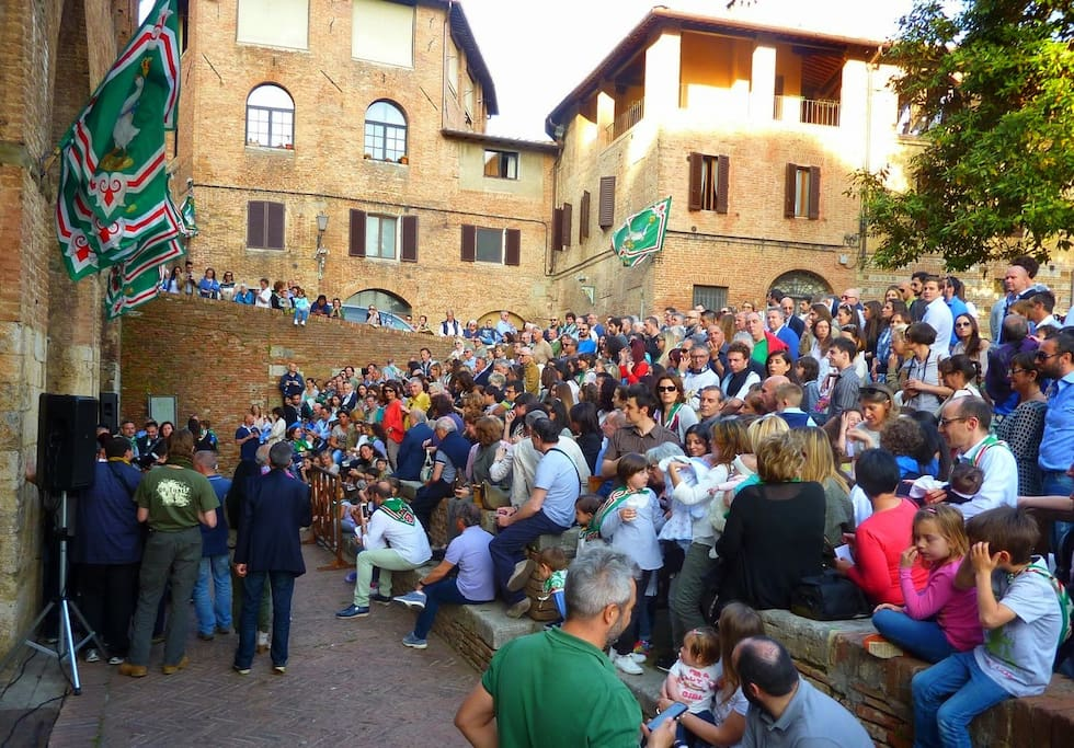 You can enjoy the real life of The Contrada dell'Oca, even the official Baptism of newborn