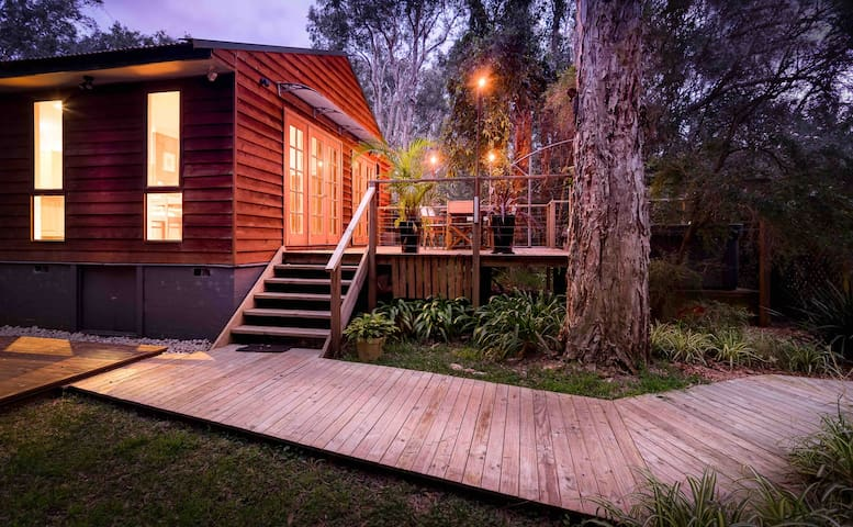 Spa House in the Bush by the Beach!