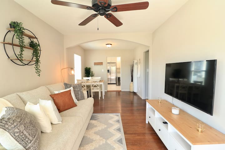Just renovated! Duplex in the center of North Park