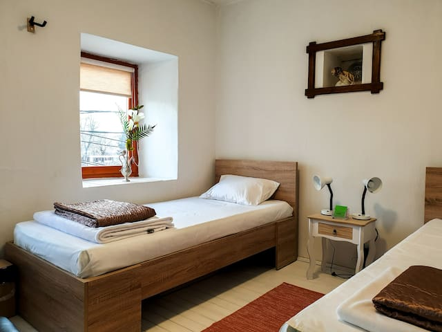 Kulla Dula Guesthouse - Twin Room