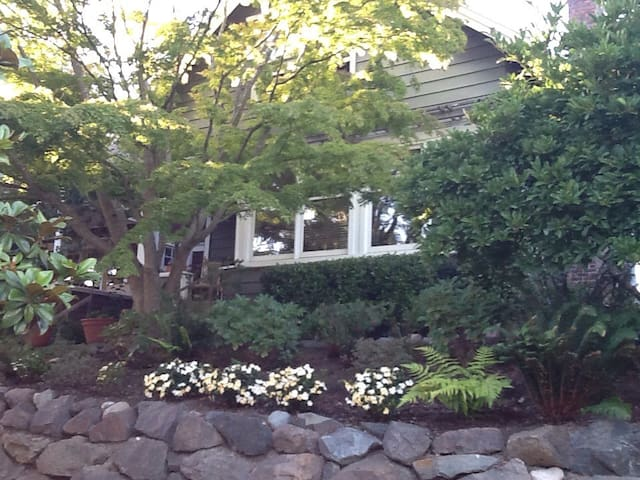 8 month lease. Furnished Classic Madrona Craftsman