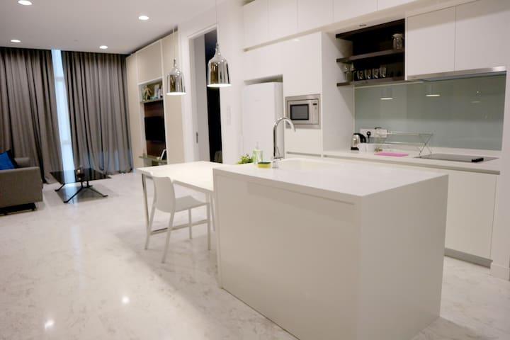 Platinum Suites | Deluxe Suite 2