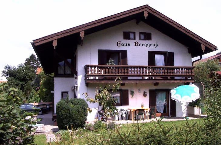 Haus Berggruß EG