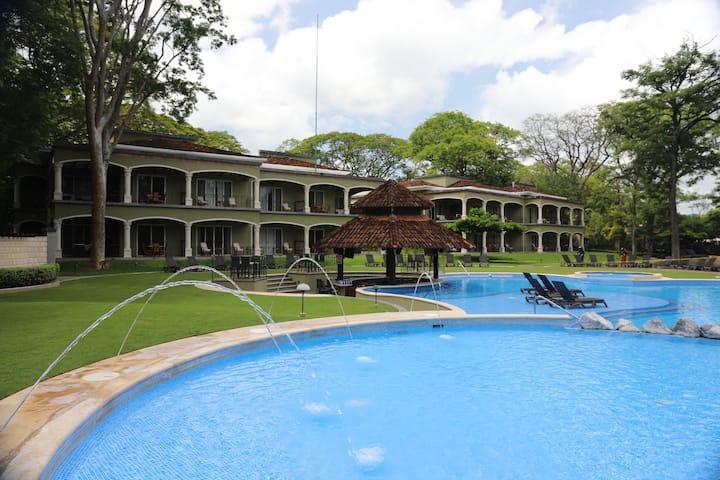 Casa en Playa Panamá, Guanacaste