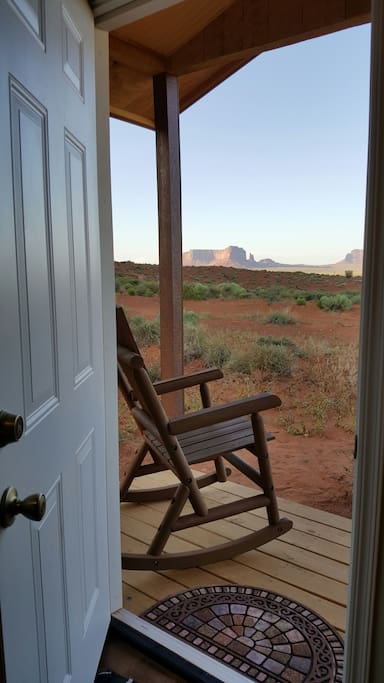 A front door view of Monument Valley!