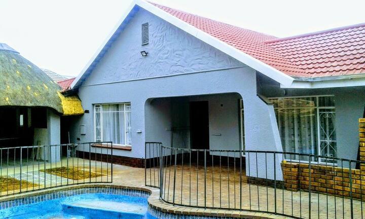 Acacia Guesthouse 2