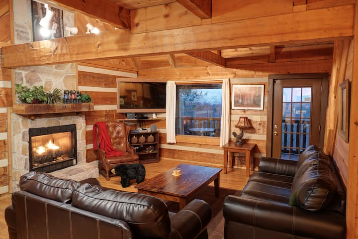 Cozy Living room for your enjoyment!