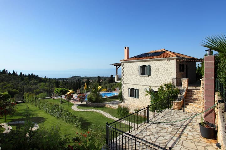 Thanos Villa with private pool  in Lefkada