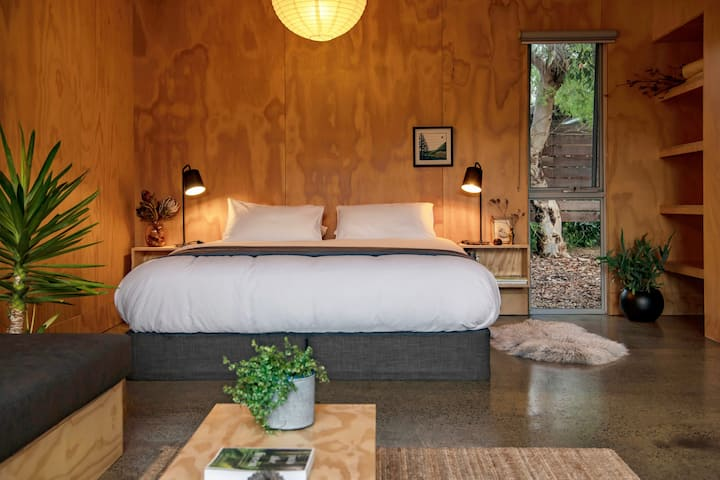 Explorers Rest-Luxury Couple Retreat close to Town
