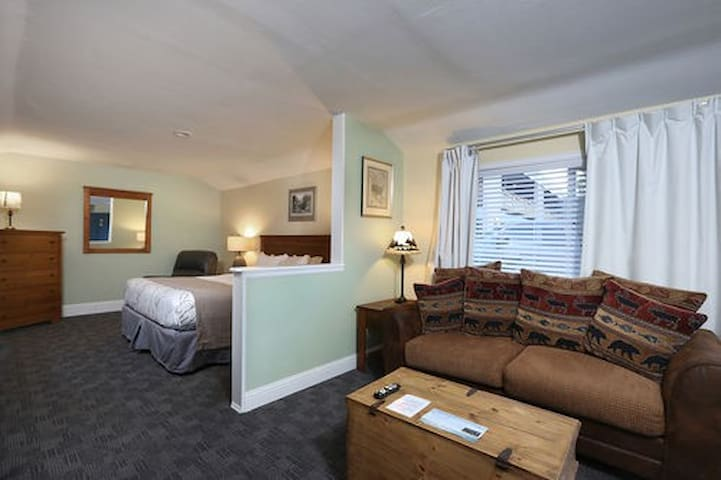 Salida Inn & Monarch Suites - Deluxe King Cottage