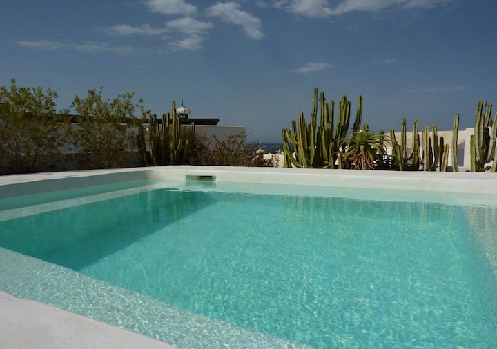 Villa Mare Bella Chao sea view  heated pool AC