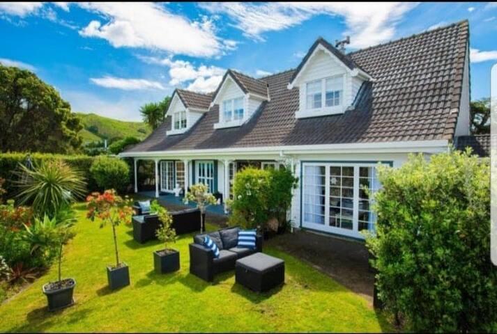 Kimberley House - Cape Cod luxury on the beach