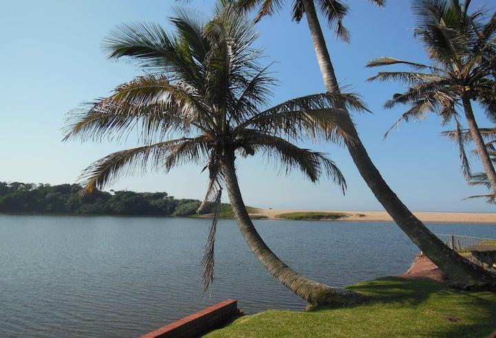 THE LAGOON FLAT, 53 Nkwazi drive, Zinkwazi Beach