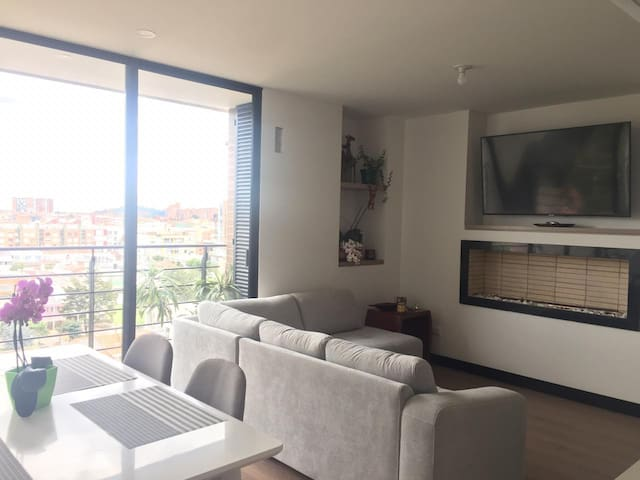 Great private room in furnished modern apartment!!