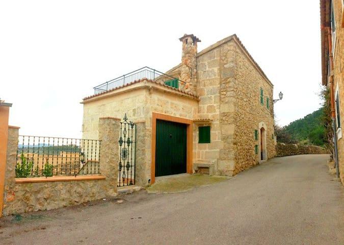 BRAND NEW BED - Caimari - House
