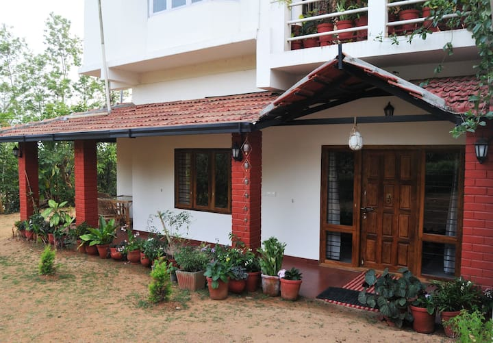 37,Malabar Road - The Homestay (Red room) ,Coorg