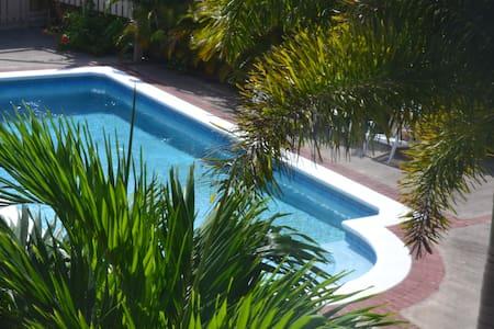 Holiday Villa getaway Experience - Runaway Bay