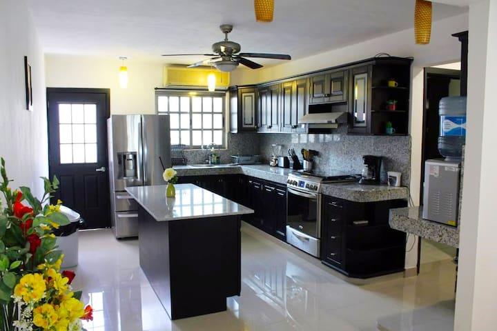 Casa Palmera - Casa grande en el centro de Cancún!
