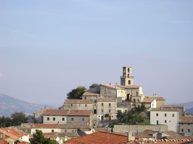 CASETTA NEL BORGO - Torrebruna - บ้าน