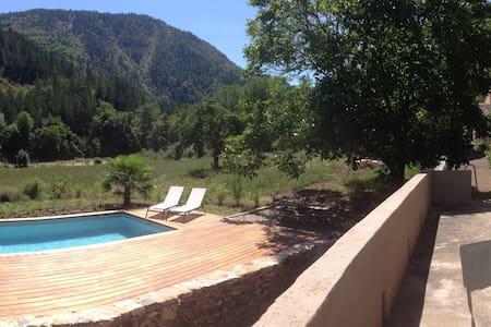 Gorges du tarn / Cévennes - piscine chauffée - Quézac - Casa
