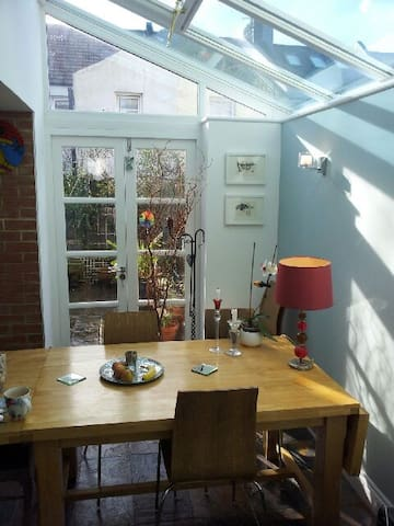 Large room in house for one. - Hove - Ev