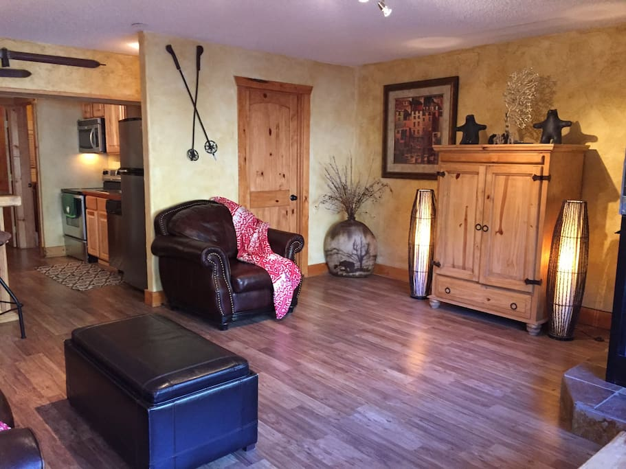 "Large living area for socializing.  40"" tv in cabinet."