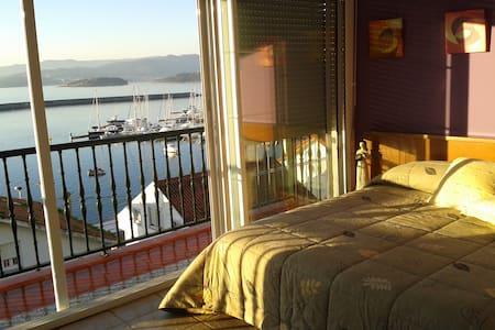 casa con vistas y patio exterior - portosín