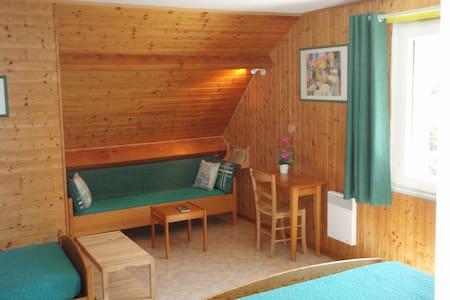 Chambre sur les collines du Pilat - Bed & Breakfast