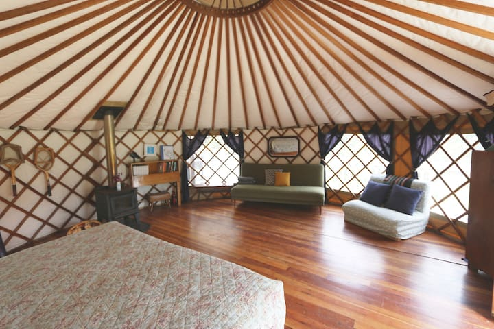 Wild Meadows Eco Yurt (Self Contained Glamping)