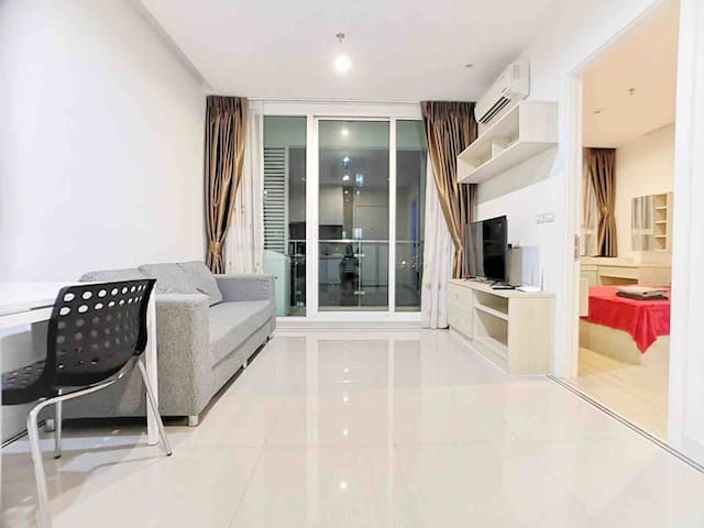 THE PERFECT CHARMING LUXURY :1BR/WIFI/POOL/MRT