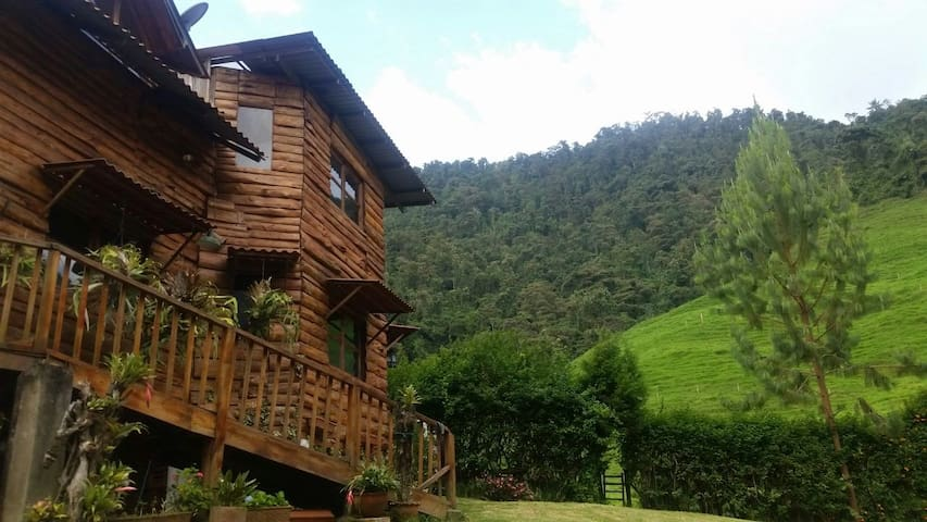 Cabaña en reserva forestal a 10 min de Manizales
