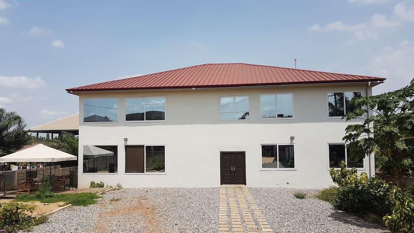 Jazcaf Guest House/Hostel