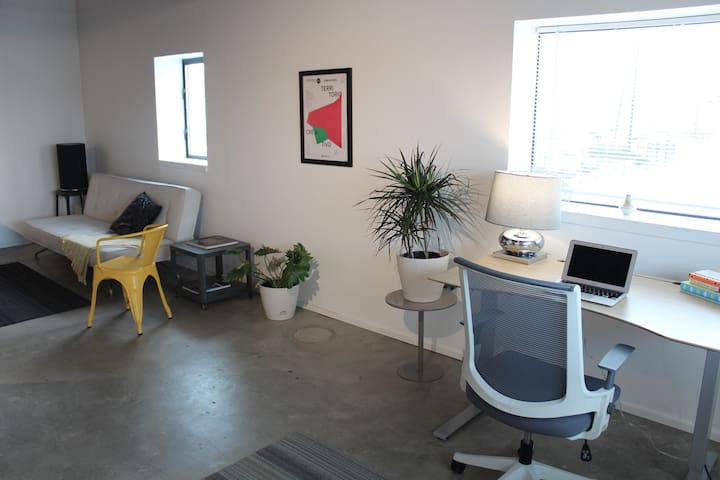 Creative Urban Loft with Free Coworking