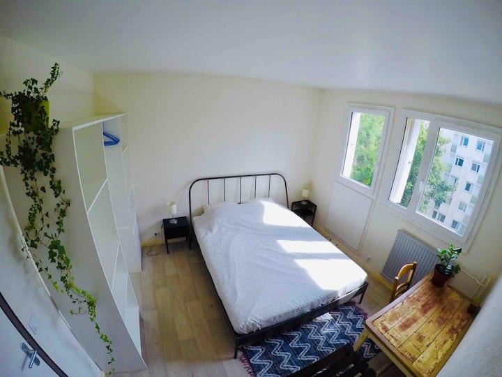 Chambre meublée idéalement situé