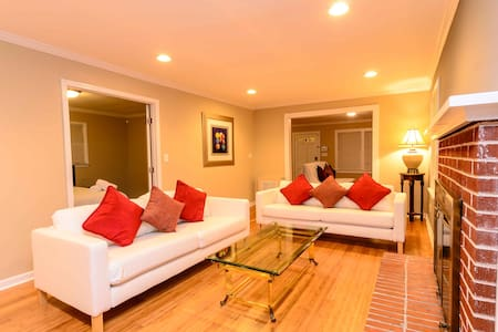 AMAZING 3 BDR Estate,Secluded,NEW