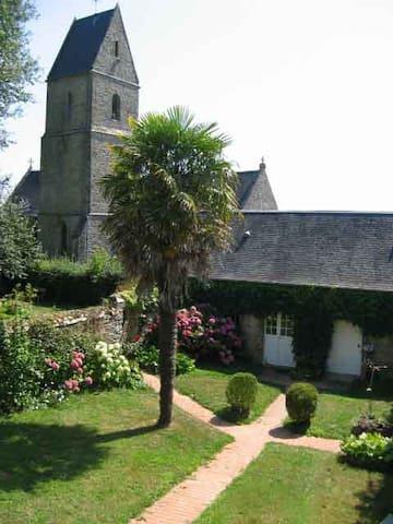 Maisonnette charme (ex-presbytère) - Houtteville