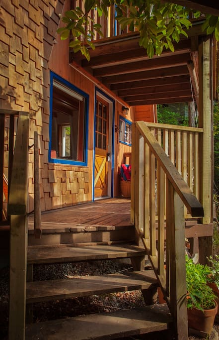 Cozy Cabin With Ocean View 1 Cottages For Rent In Sechelt