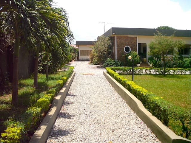 Holiday Apartments - House Siriboe - Gbawe - House