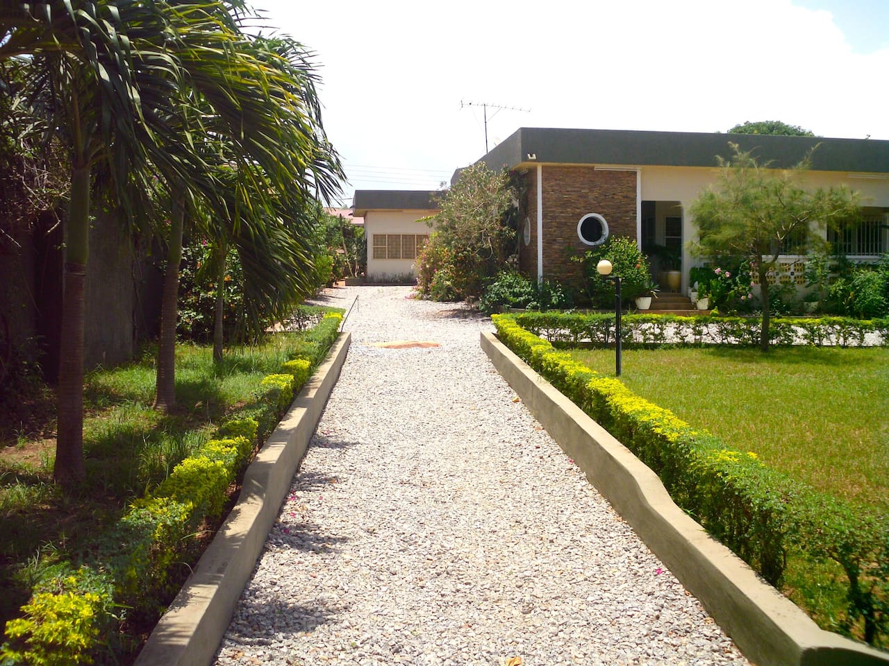 Front View House Siriboe