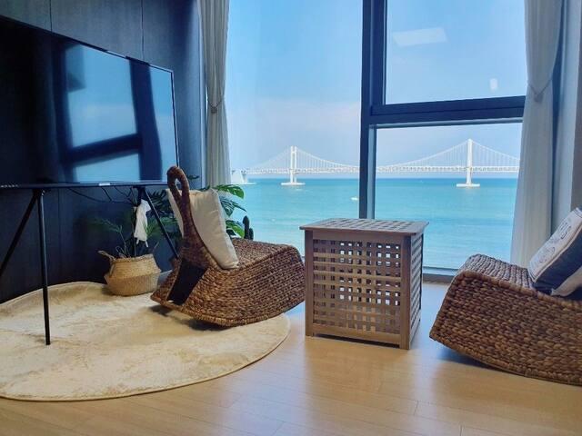 [New🤭New] 거실&침실 Perfect광안대교View♡바닷가1초♡빨리 놀러 오세요😻