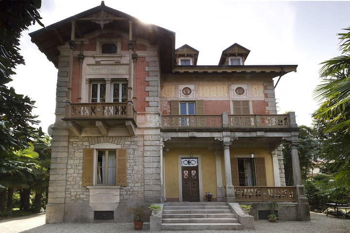 APARTMENT IN A VILLA ART NOUVEAU  - Baveno - Daire