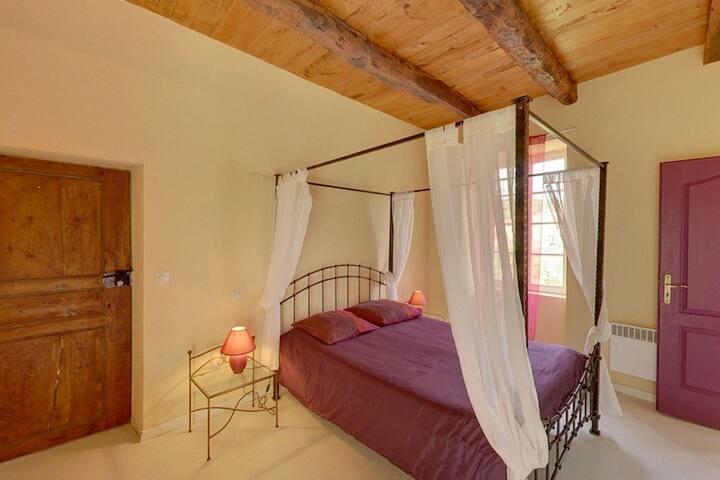 domaine d'alcapiès  chambre romantique