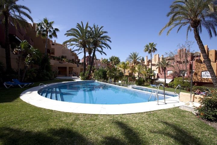 Luxury 3 bedroom townhouse Nueva Andalucia