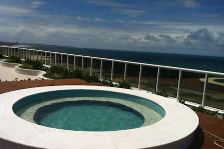 Novo,frente a praia, linda varanda - Salvador