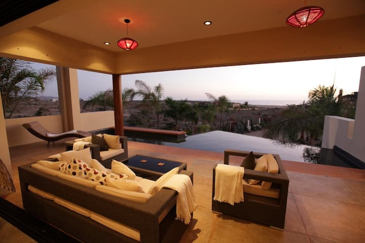 Oceanview Todos Santos Beach House w Pool