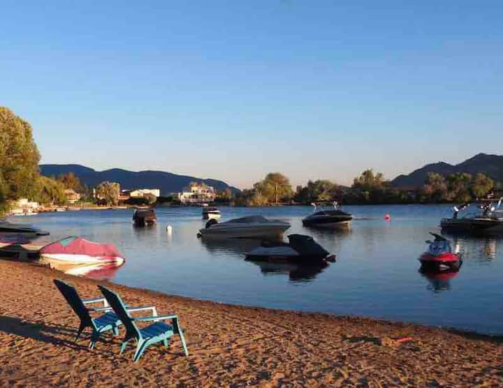 Sleep 6.Osoyoos Beach Home Snowbirds Approx $40day