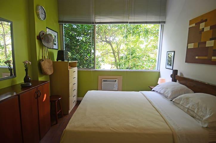 Charming Room Close To Leblon Beach - Rio