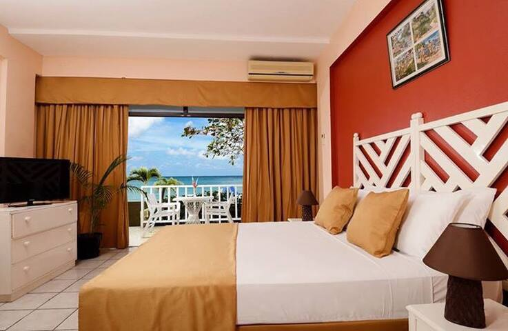 Kaz Kreol Beach Lodge & Wellness Retreat - Ocho Rios - Aamiaismajoitus