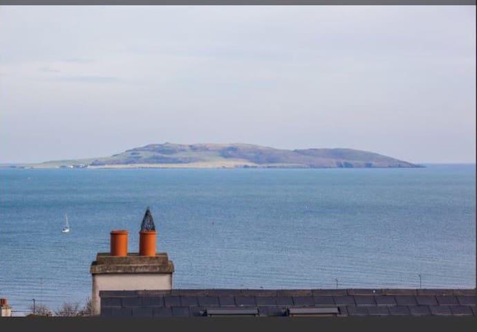 Spectacular Ocean Views 30mins from Dublin